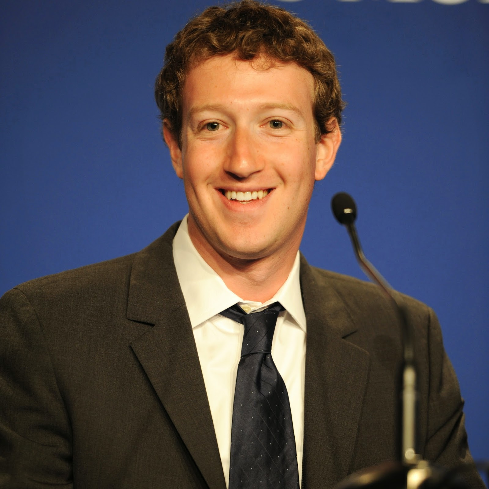 Learning from Zuckerberg's Leadership Style